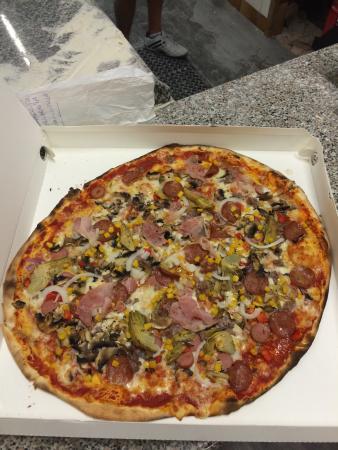Pizzeria Gnoccheria Chiringuito: La miglior pizza della zona!!  Ambiente familiare e curato..i proprietari molto gentili ! Posto