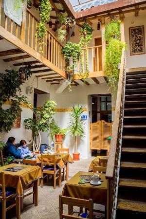 Hostal El Grial: Courtyard