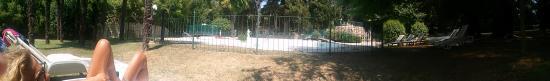 Villa Quiete: Panoramica della piscina