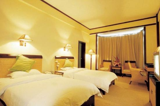 Yijing Garden Resort & Spa Hotel: Guest Room