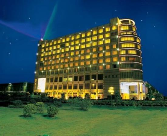 Photo of Vienna Hotel Shenzhen Hua'Nan Cheng