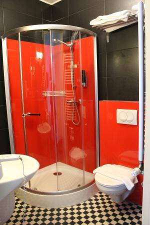 Hotel Atlantis: salle de bains