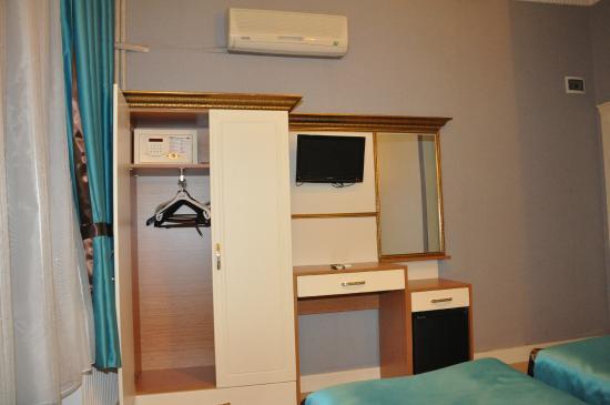 Hurriyet Hotel: room