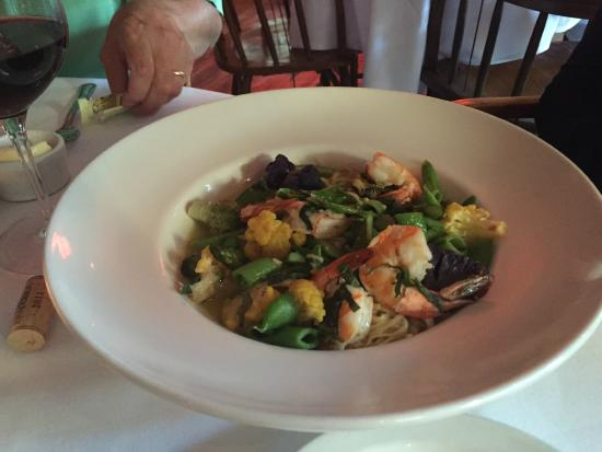 Pasta with asparagus and shrimp, Il Bistro