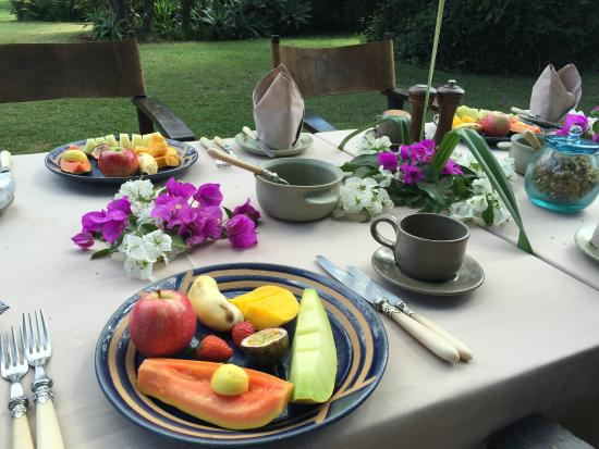 Ngong House: A typically lovely breakfast in the garden