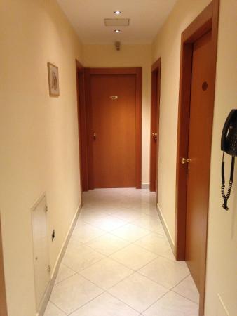 Hotel Del Corso: Corridoio