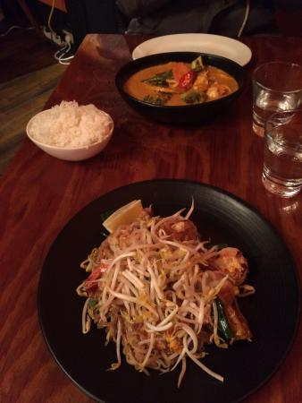 All Thai: Red Thai curry and paid Thai