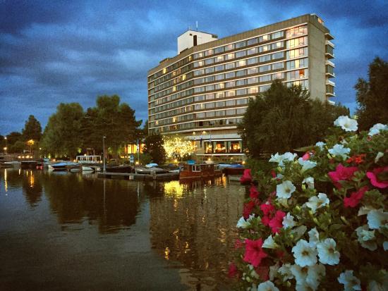 Hilton Amsterdam: photo0.jpg
