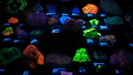 Grand Junction, CO: Fluorescent Rock Display
