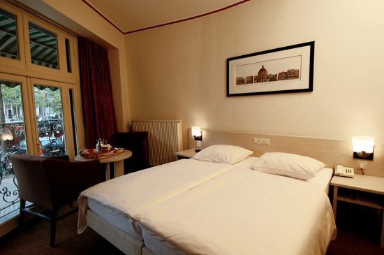 Singel Hotel Amsterdam: Triple Room