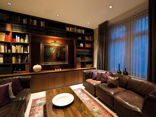 Alden Suite Hotel Splügenschloss Zurich: Interior