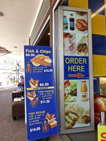 Coolum Beach, Australia: Choice Kebabs, front of shop