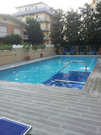 Hotel Impero: Piscina