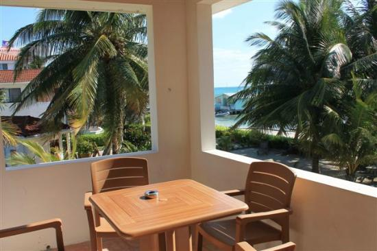Belize Tradewinds Paradise Villas: Upper ocean front view