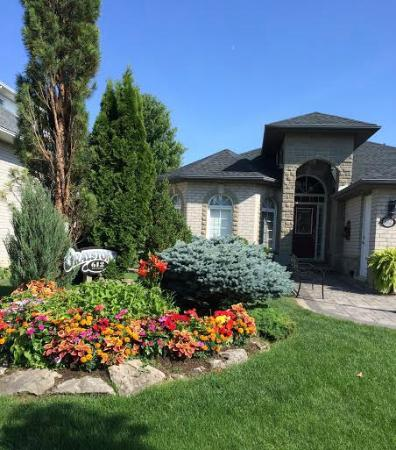 Graystone Bed and Breakfast: B&B view upon arrival