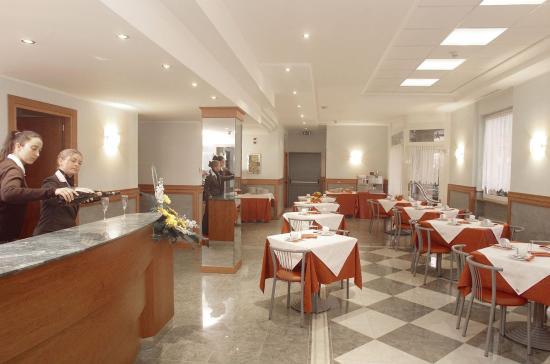 Hotel Mary: Breakfast room