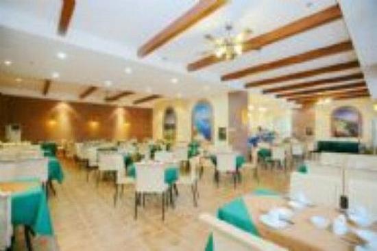 Relax Inn: Restaurant