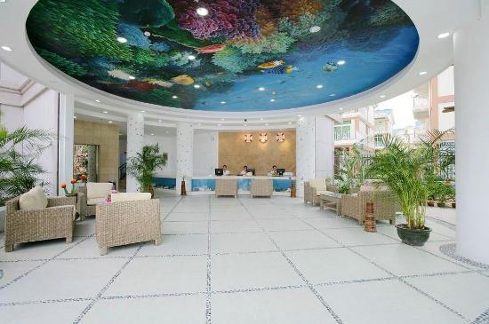 Relax Inn: lobby