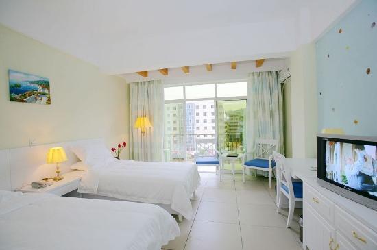 Relax Inn: Guest Room
