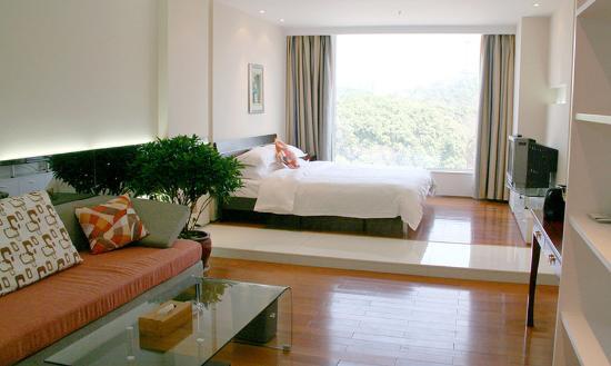 Jinzhou Hotel Guangzhou: Guest Room