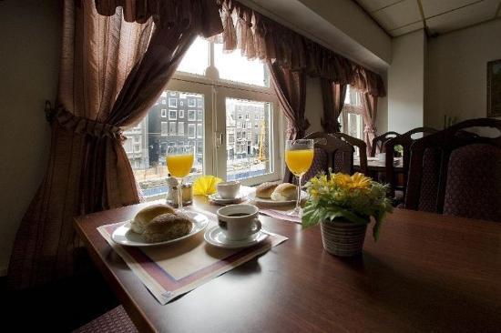 Hotel Cordial: Restaurant