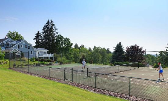 Crisanver House Tennis Courts