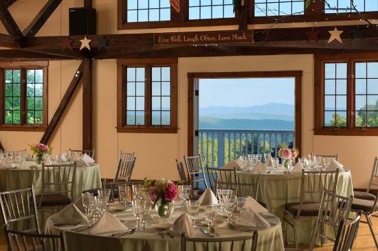 Shrewsbury, VT: Vermont Barn Weddings at Crisanver House