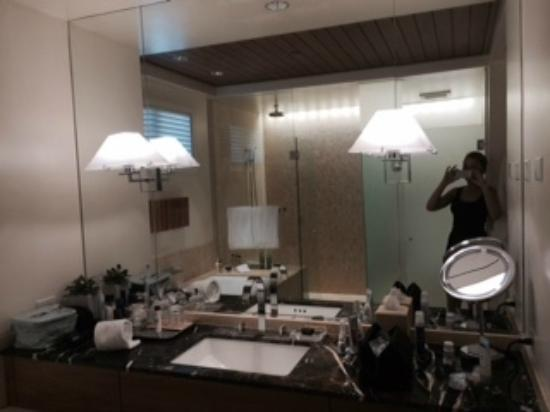 Rosewood Sand Hill : spacious bathroom