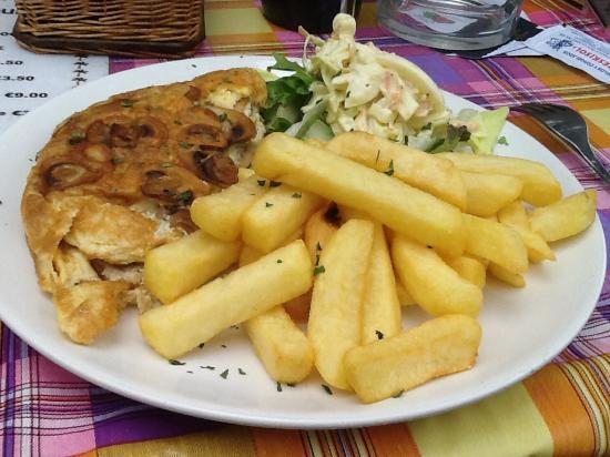 Sam's Bar: Mushroom omelette & chips ......only €5