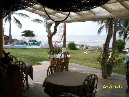 Guarare, Panama: seating area overlooking the pool area and ocean