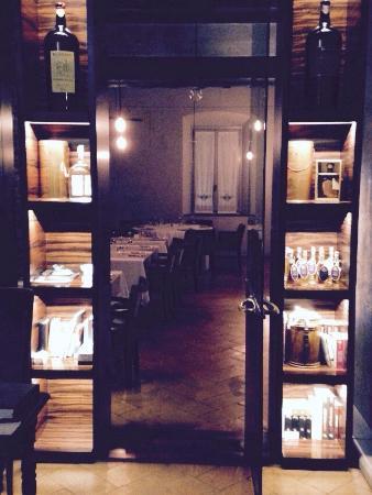 Brig Restaurant : Location interna ed esterna della struttura, comprensiva di ristorante e bed and breakfast