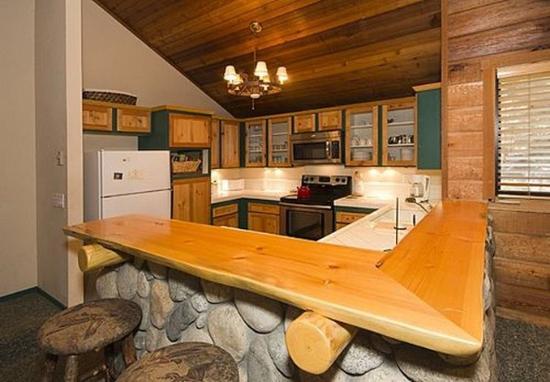 Hidden Valley Condominiums: Kitchen