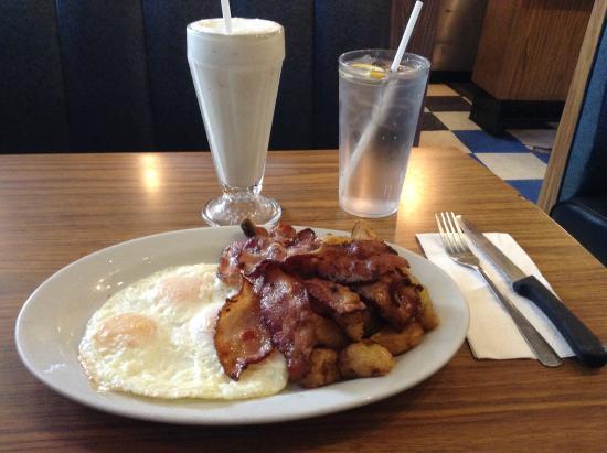 Rainbow Restaurant: Bacon and eggs breakfast with milkshake.