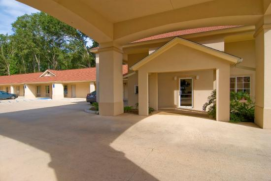 Photo of Americas Best Value Inn DeRidder