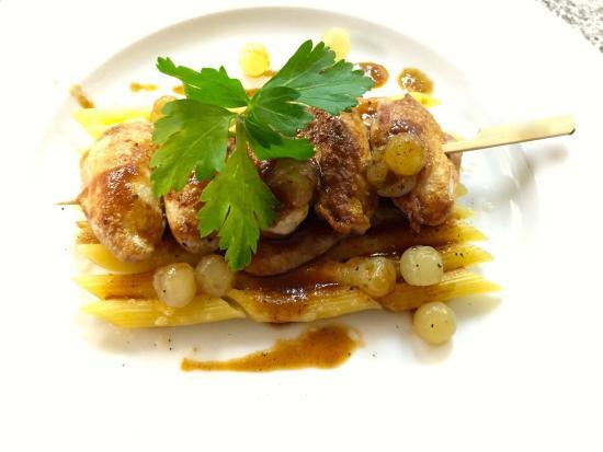 Le Vivier: gratin de penné et caille rôties aux oignons confit