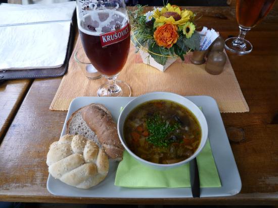 Cafe bar Nad Certovkou: вкусно