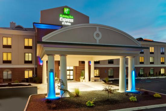 Holiday Inn Express Hotel & Suites White Haven - Lake Harmony : Hotel Exterior