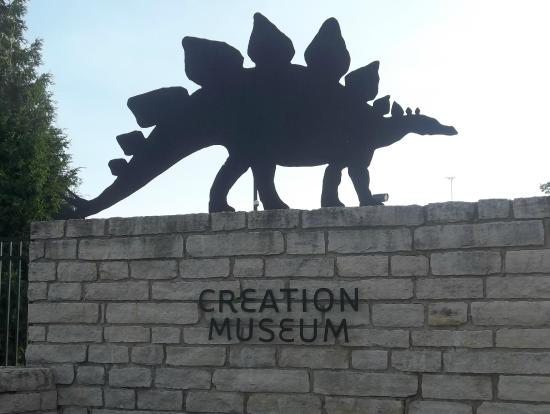 Snakes Alive Picture Of Creation Museum Petersburg