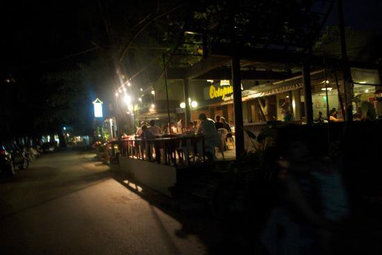 Octopus Restaurant: Outside