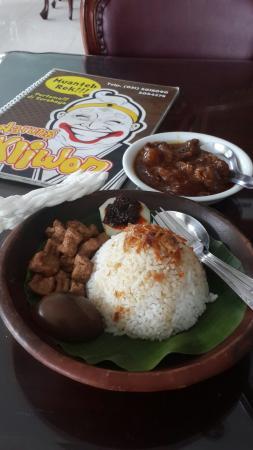 Rumah Makan Kliwon Surabaya