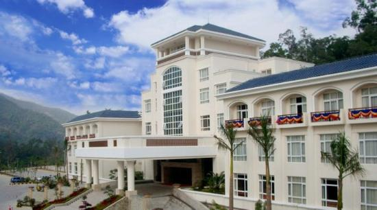 Royal Hotel : Exterior