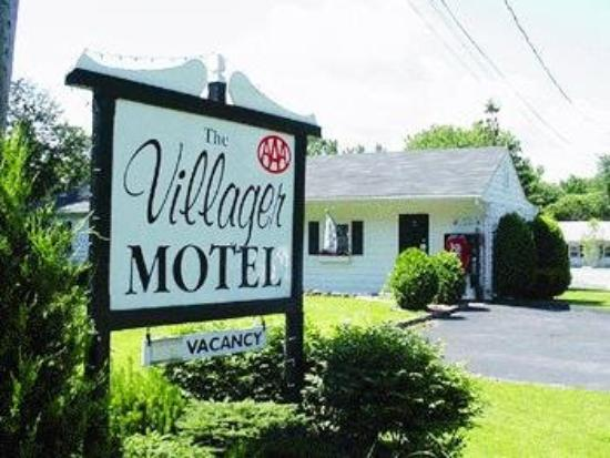 Villager Motel: Exterior View