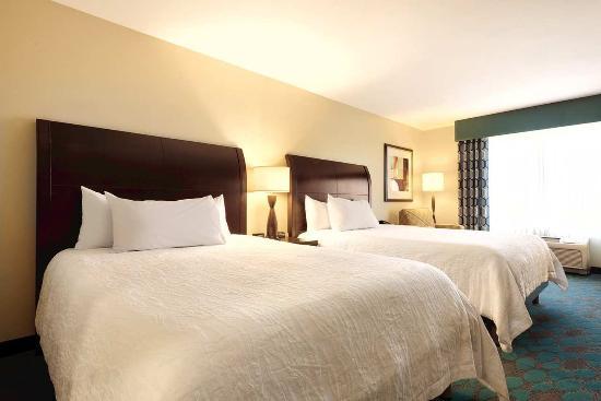 Hilton Garden Inn Fargo: Two Queen Bedroom