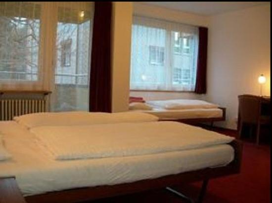Hotel Crystal Interlaken : Triple Standard