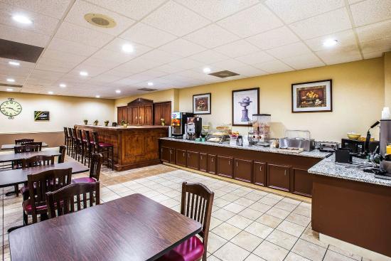 Quality Inn Anderson: SCBKFAST