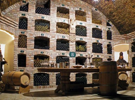 Hotel Matysak : Wine cellar