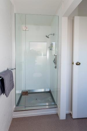 16 Northgate Motor Lodge: Shower