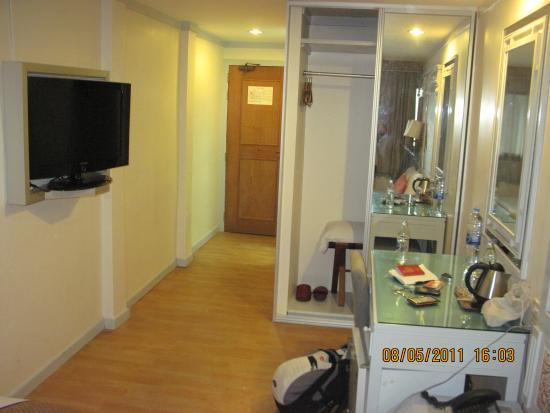 Pratunam City Inn: Single Room View another angle