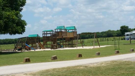 Leisure Resort: The big playground