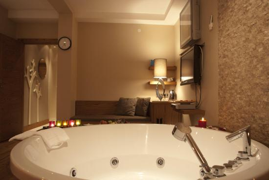 Triada Hotel: Executive City View